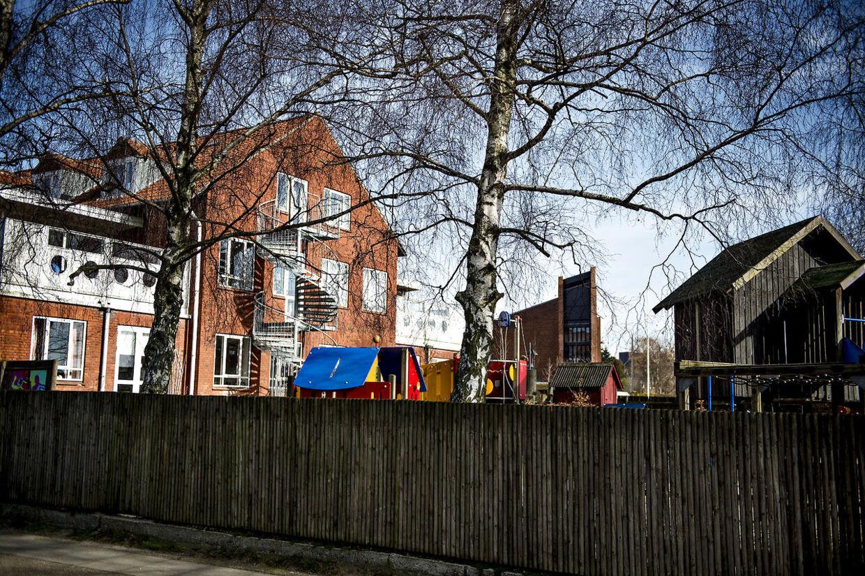 Husum Menighedsbørnehave har fundet narkotikak i børnehaven. Skilt sat op i vinduet. tirsdag d. 5. marts. (Foto: Torkil Adsersen/Scanpix 2013)