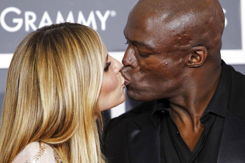 Kærligheden mellem supermodel Heidi Klum og sangeren Seal er slut.