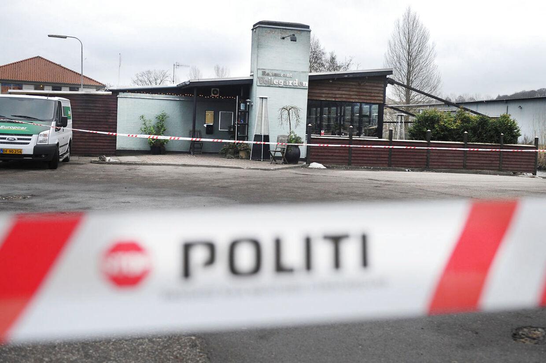 Nattens brand har atter bragt Amin Skovs landskendte spisested, Vejlegården, i mediernes søgelys.