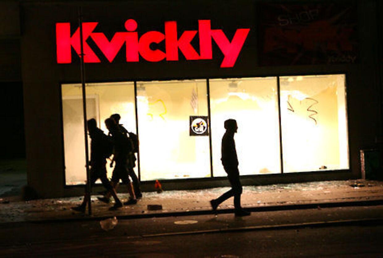 Blandt de raserede butikker er Kvickly på Nørrebrogade.