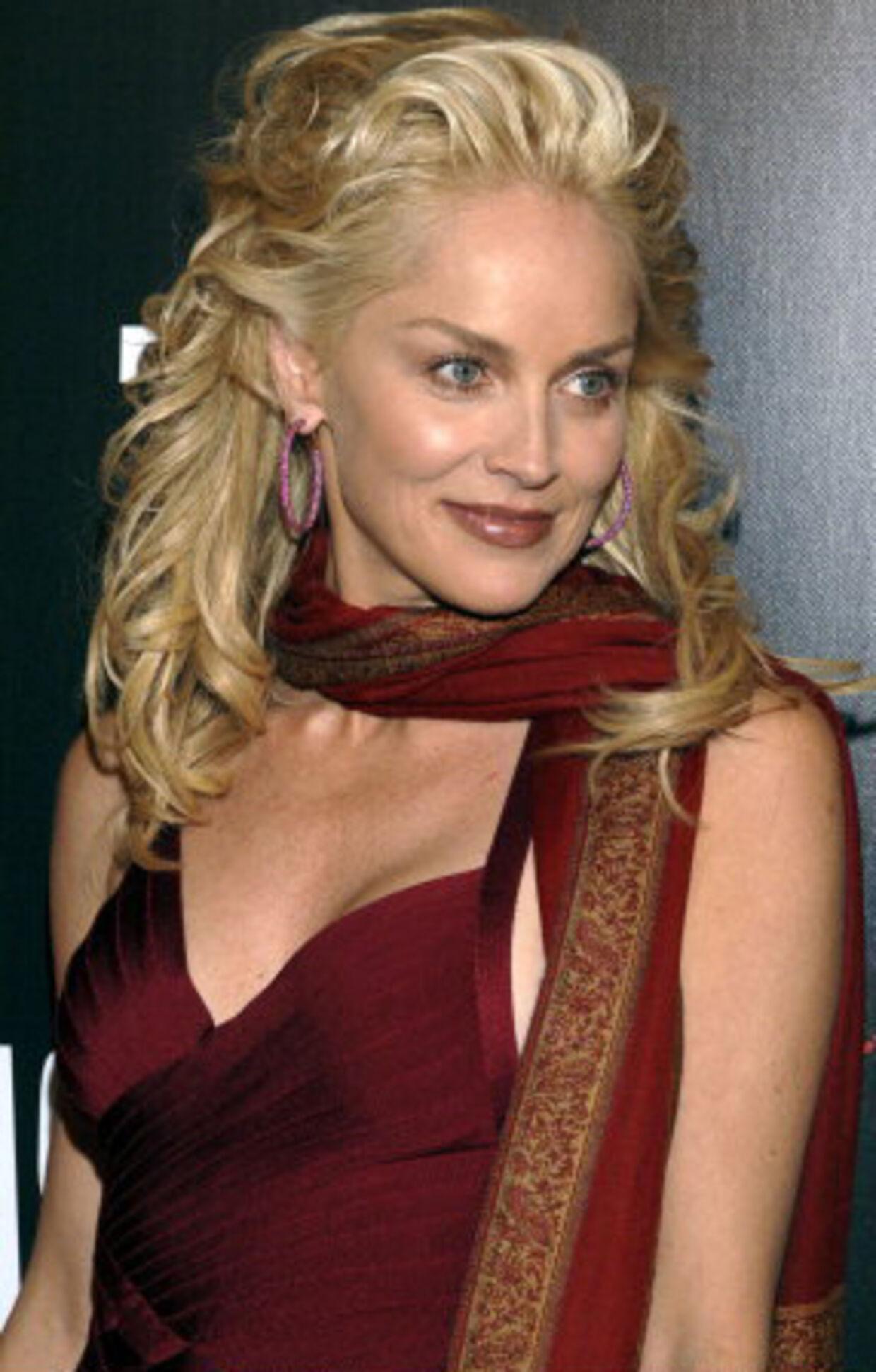 Playboy jagter Sharon Stone som nøgenmodel | BT