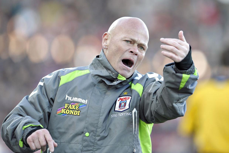 Den tidligere fodboldlandsholdsspiller Stig Tøfting blev natten til søndag sammen med sin stedsøn anholdt i forbindelse med et sammenstød med dørmænd i Aarhus. (Arkivfoto)