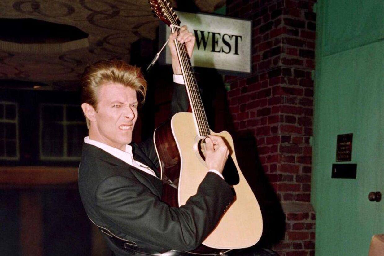 Ifølge hans faste producer Tony Visconti var David Bowie igang med et nyt album, da han døde i søndags.