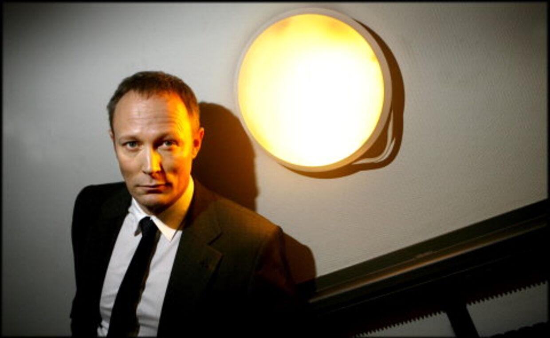 Lars Mikkelsen har succes med politiker-roller som Jens Otto Krag i 'Krøniken' , som spindoktor i 'Kongekabale' og nu som skoleborgmester Troels Hartmann i 'Forbrydelsen' (Billedet)
