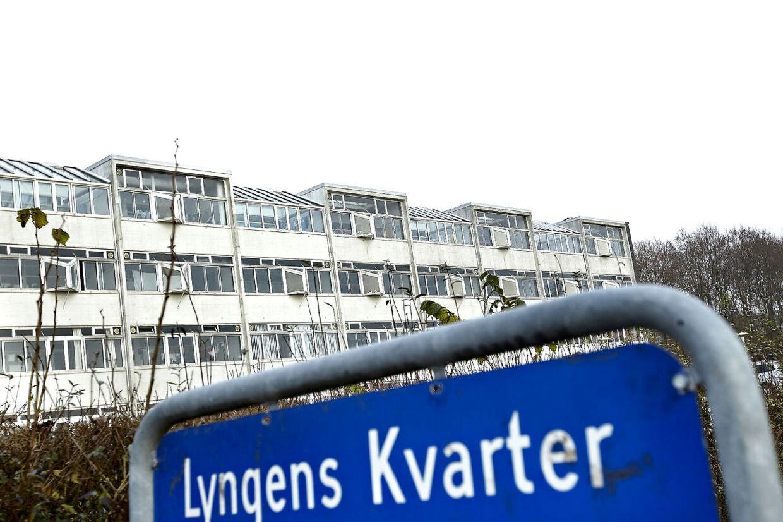 På en legeplads ved børnehaven i Lyngens Kvarter i Gullestrup ved Herning blev en 10-årig pige lørdag d. 19 november 2011 tvunget til at gå med en ung mand ind i et skovstykke, hvor manden voldtog hende.
