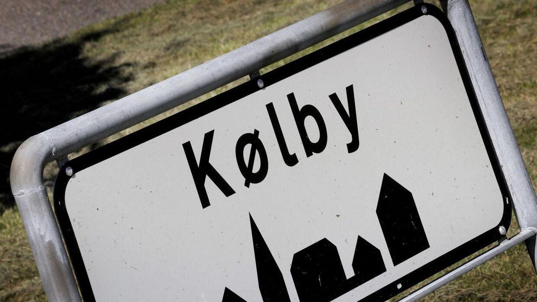 Vattenfall har ifølge Børsen købt størstedelen af landsbyen Kølby, som de river ned for at gøre plads til en vindmøllepark.