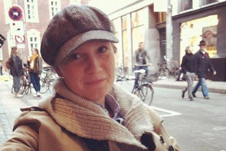 Alexandra Sisseck døde lørdag eftermiddag i en tragisk højresvingsulykke i København. Ulykken fandt sted i krydset ved Store Kongensgade og Dronningens Tværgade tæt ved Amalienborg og Kongens Nytorv i indre by