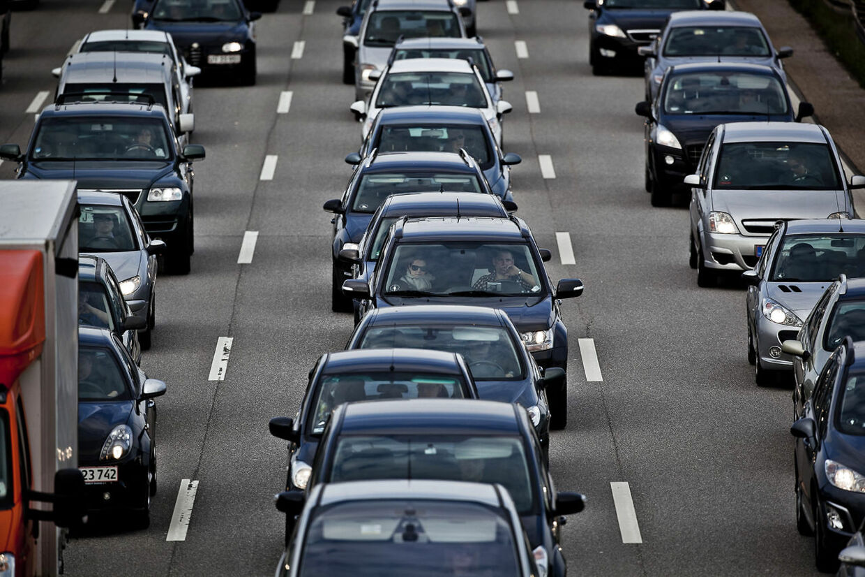 Illustration af motorvejstrafik ved Køge Bugt fletningen i Hundige syd for København tirsdag d. 15. maj 2012.