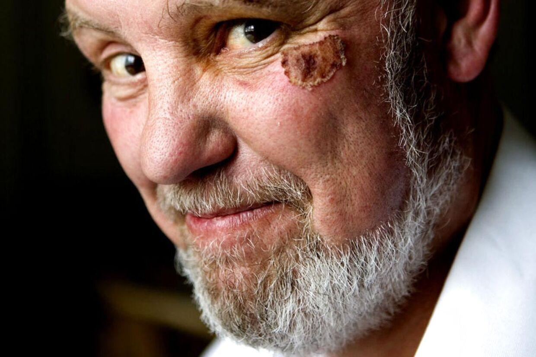 Klaus Hækkerup (bill.) om sin afdøde bror, Hans: - Somme tider blev han lidt uklar, men ellers fungerede hovedet. Han var jo ikke aktiv, men han fulgte med til det sidste, og man kunne altid få en god korrespondance med ham over nettet