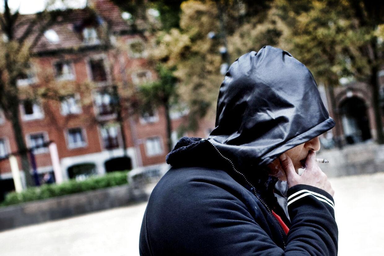 Abderrozak Benerabe - bedre kendt som Store A - blev kendt i den brede offentlighed, da han medvirkede i DR2-programmerne 'Store A - fra bandekrig til jihad'. Han er kendt som leder af banden, der holder tilpå Blågårdspads på Nørrebro i København.