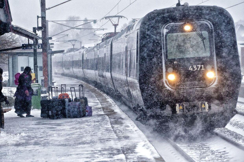 DSB forventer ikke at få problemer med det kraftige snevejr i dag. (Foto: Steffen Ortmann/Scanpix 2012)