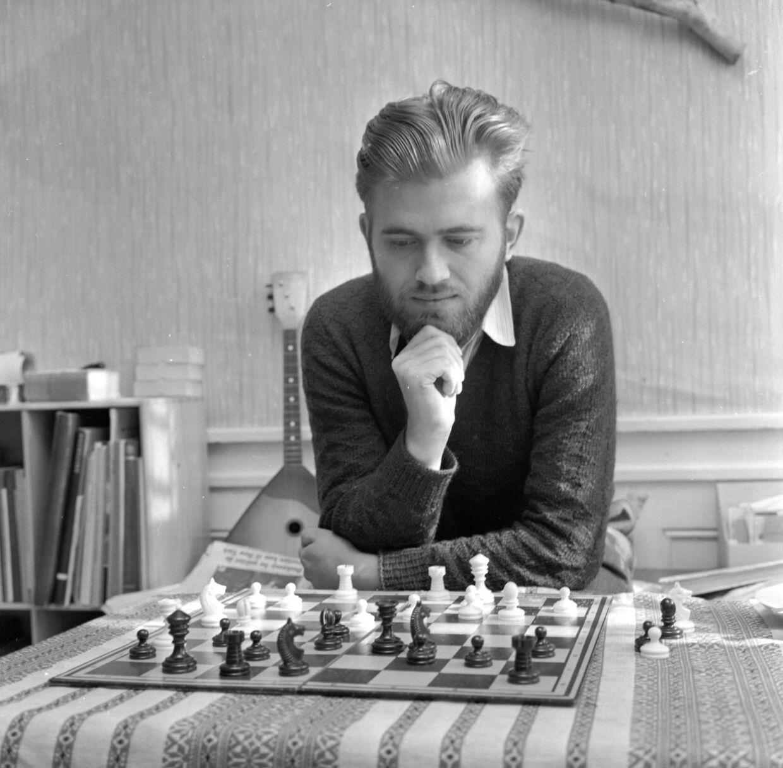 Stormester i skak, Bent Larsen.