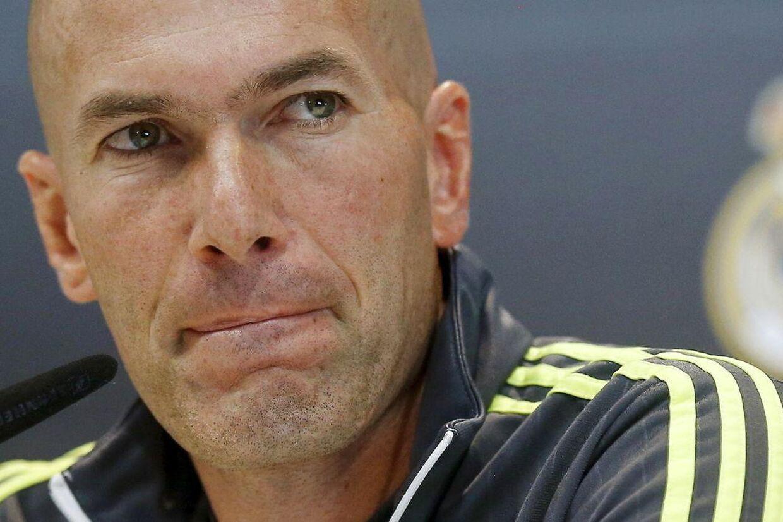 Zinedine Zidane på lørdagens pressemøde i Madrid