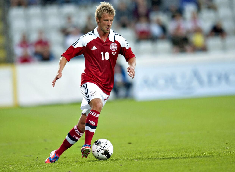 Tobias Mikkelsen i aktion i under venskabskampen mod Slovakiet onsdag d. 15 august 2012 på Tre-For Park i Odense.
