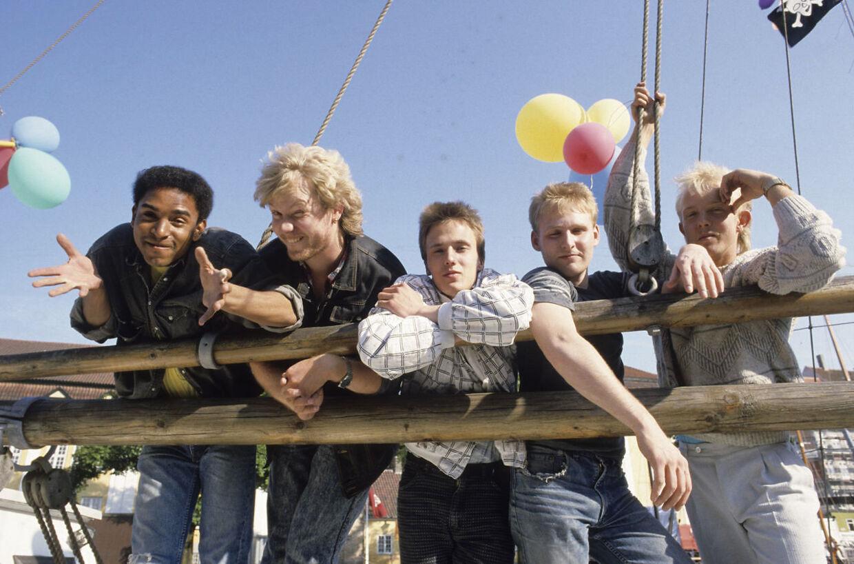 Danmarks første dansksprogede rap-gruppe 'MC Einar' bestod af forsanger Einar Enemark, Nikolaj Peyk, Jan Kabré, Jesper Willeforte og Ole Jensen.