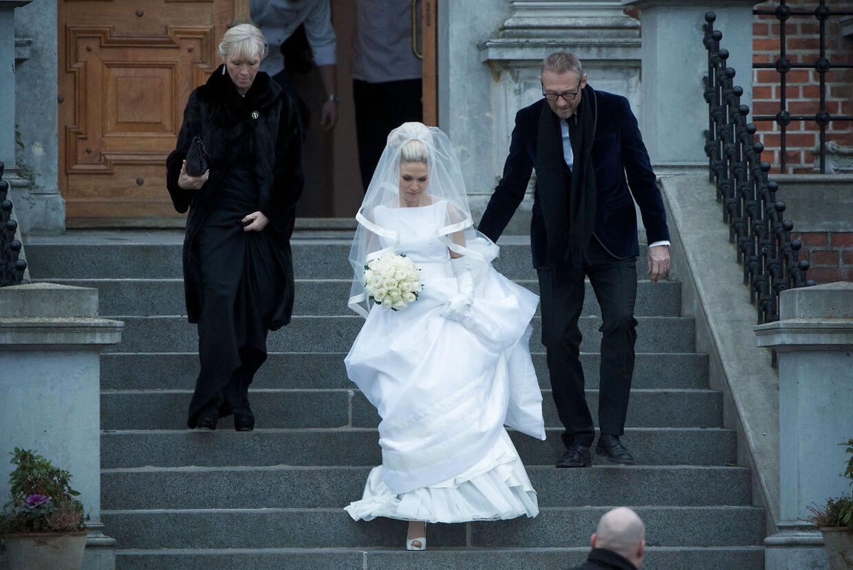 Christiane på vej til sit bryllup L.O.C..