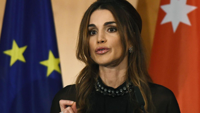 »Barrikadér ikke døren at frygt for det ukendte«, sagde dronning Rania af Jordan i sin tale ved en prisoverrækkelsen i Berlin.