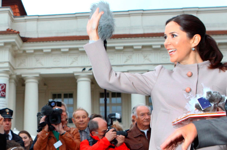 Danmarks Kronprinsesse Marys følges af verdens medier