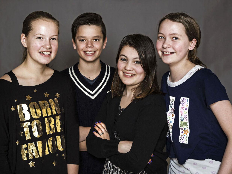 Børnene fra 'Årgang 0', da de var 12 år gamls. Det er Emma til venstre.