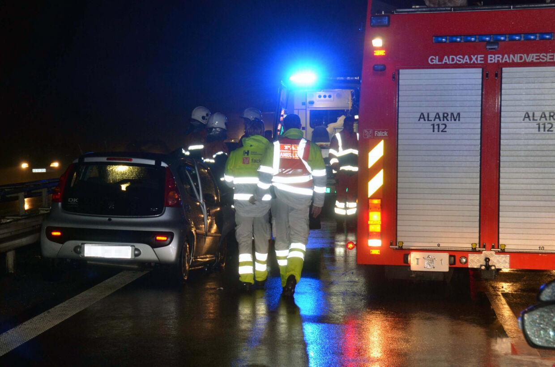 En kvinde på 46 år forvildede sig juleaften ned på Hillerødmotorvejen i den gale retning og kolliderede med en modkørende bil.