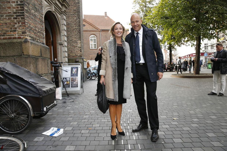 Her Natasja Crone og Jesper Steinmetz til brylluppet.