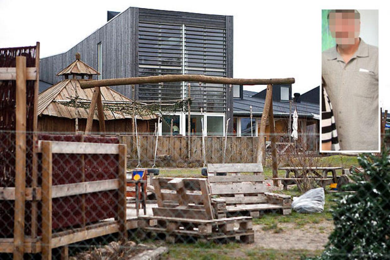 Den mandlige pædagog (lille billede) er nu titalt for at have sex-krænket otte børn i institutionen Eventyrlunden i Holbæk.