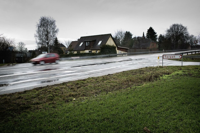 Sorøvej, hvor en hundelufter tirsdag blev dræbt, er berygtet for stærk kørsel, fortæller naboerne til vejen.