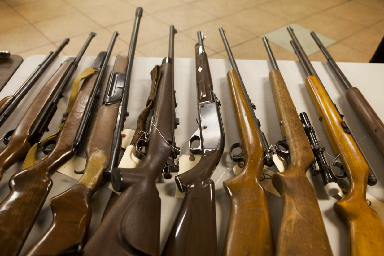 Våbendebatten raser i USA. Nu har en avis offentliggjort navne og adresser på borger, der har våbentilladelse.