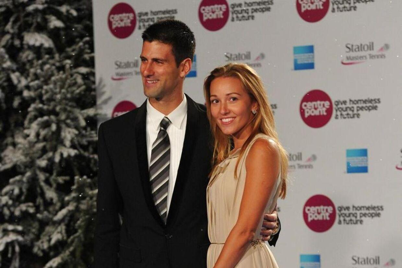 Novak Djokovic med sin Jelena Ristic til et velgørenhedsshow. De to er nu blevet gift.