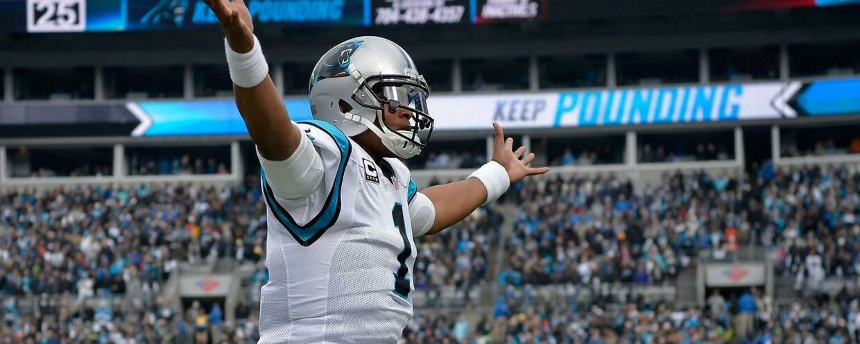 Panthers-quarterback Cam Newton har gang i en god aften mod Seattle Seahawks.