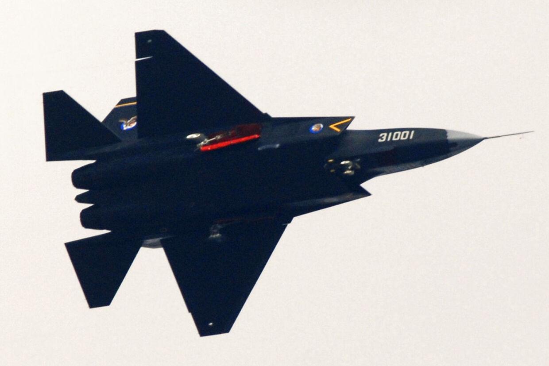 Det kinesiske fly J-31.