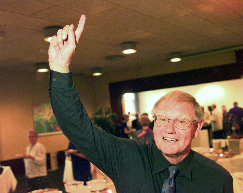 Tv-journalist Carsten Fischer er død efter længere tids sygdom. Han blev 79 år gammel. Arkivfoto 1998.