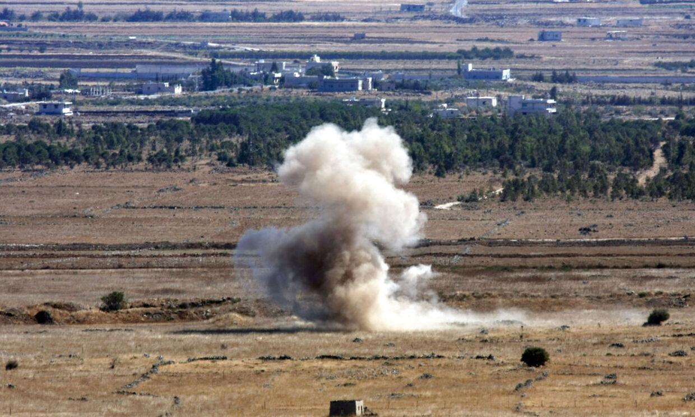 Den syriske hær har flere gange i løbet af de seneste dage affyret granater ind i det omstridte område. Har slår en granaet affyret fra den syriske landsby Khan Arnbaa ned ved landsbyen Buqaata i det israelsk besatte område.