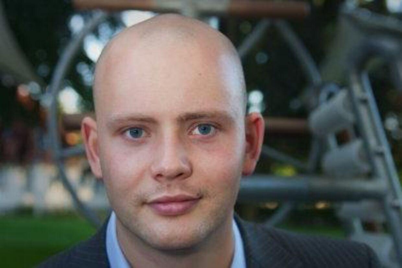 Jakob Engel-Schmidt var tæt på at få tæsk, da han torsdag aften påpegede over for tre mænd, at de stjal varer fra en Døgnnetto