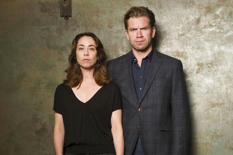 Her er det skuespillerne Nikolaj Lie Kaas og Sofie Gråbøl i rollene som PET-agent Mathias Borch og vicepolitikommisær Sarah Lund.