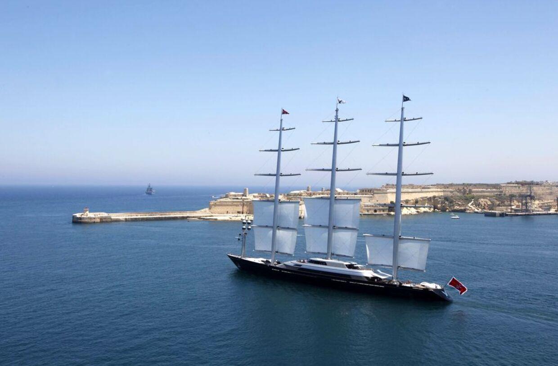 Verdens største private sejlbåd, den 88 meter lange The Maltese Falcon,er endelig solgt. Prisen lød på mere end 500 milioner kroner - og det var endda på udsalg.