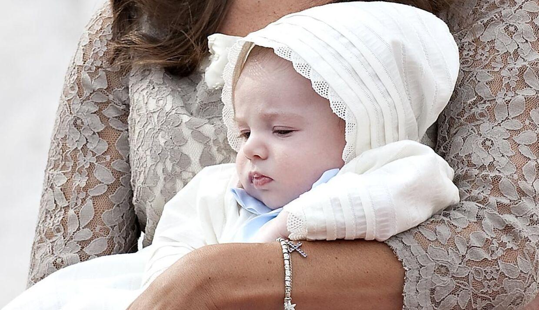 Hvad skal barnet hedde? Denne prins kom til at hedde Henrik Carl Joachim Alain, da han blev døbt i Møgeltønder Kirke søndag den 26. juli 2009. Henrik er et af de mest udbredte fornavne blandt nulevende danskere.