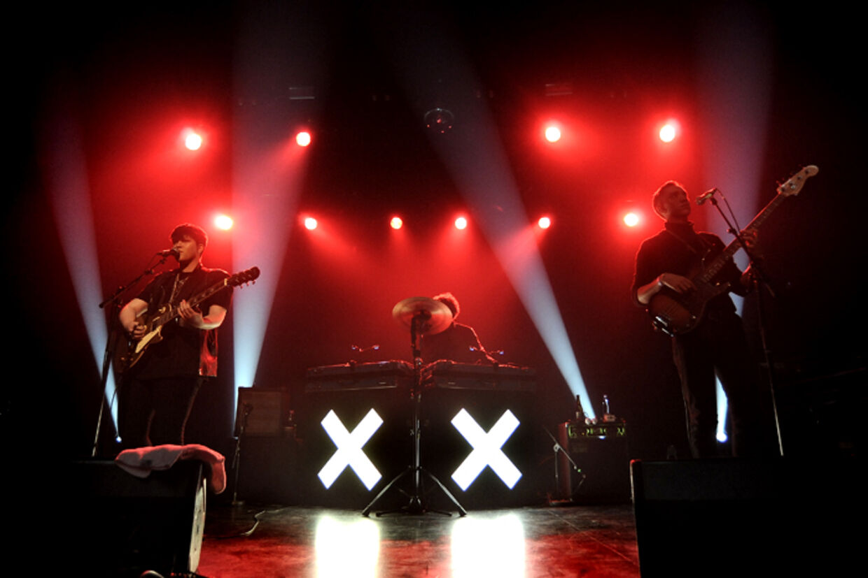 Den britiske minimalist-pop-trio The xx spillede en småkedelig koncert foran et fyldt Store Vega fredag aften.