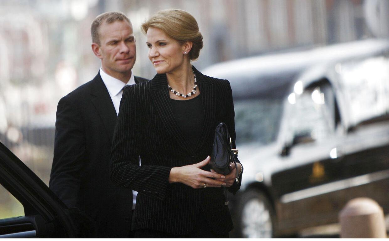 Statsminister Helle Thorning-Schmidt deltog i Mærsk Mc-Kinney Møllers begravelse lørdag eftermiddag.