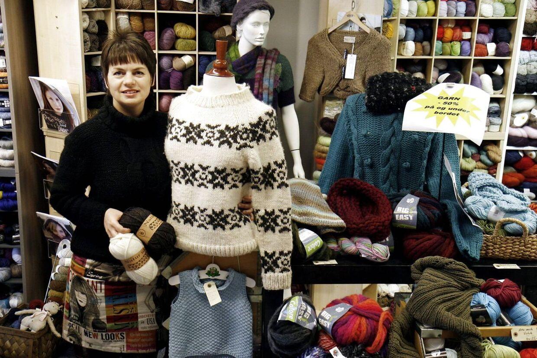 Butiksejer Lene Langballe fra Skanderborg afkræves 10.000 kr. i erstatning for at have kopieret Sarah Lunds berømte sweater.