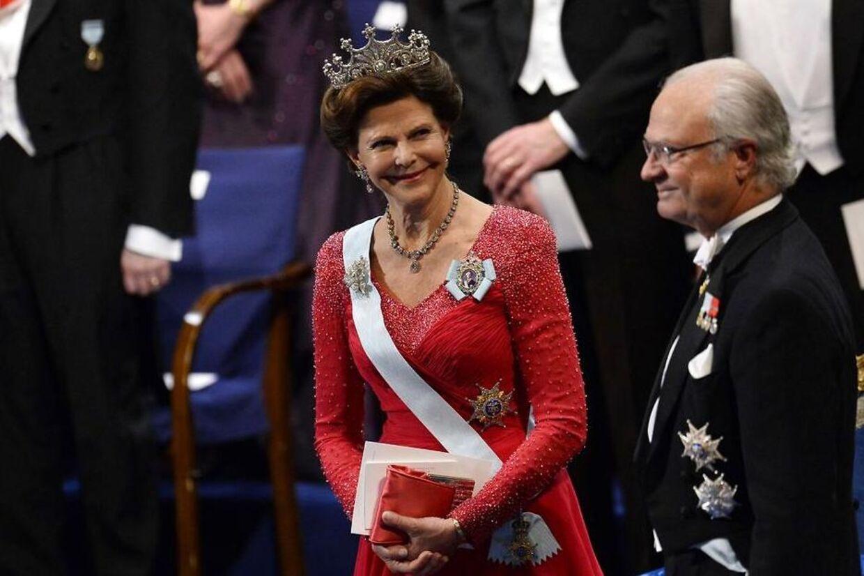 Kong Carl Gustaf og dronning Silvia af Sverige har takket nej til Norges 200 års fødselsdagsfest. Det har ført til harme blandt nordmændene.