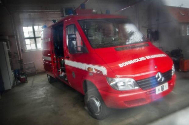 Fem deltidsbrandmænd på Bornholm har opsagt deres stilling i protest mod besparelser.
