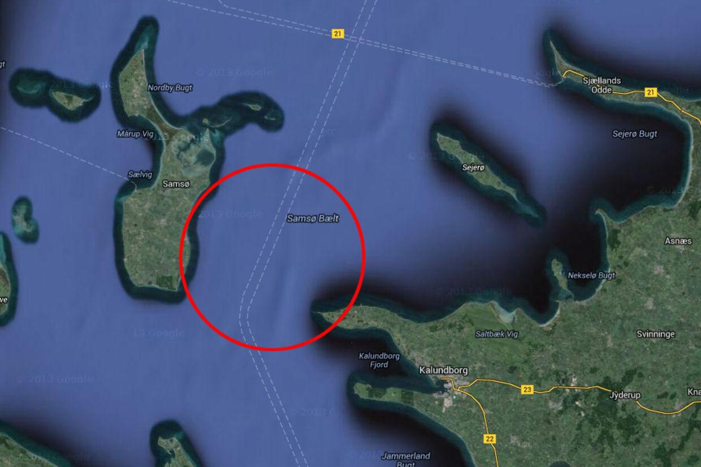 Helikopteren er efter de første meldinger styrtet i havet mellem Røsnæs og Samsø.