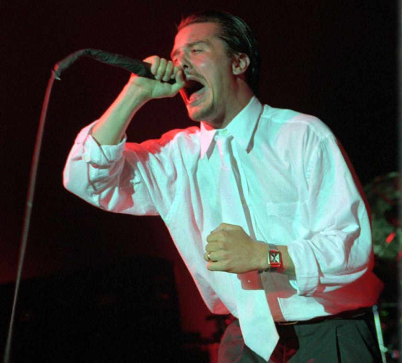 Mike Patton på scenen med Faith No More i Store Vega i 1997 - den sidste koncert bandet gav på dansk grund, inden opløsning. Om en måned spiller de på årets Roskilde Festival.