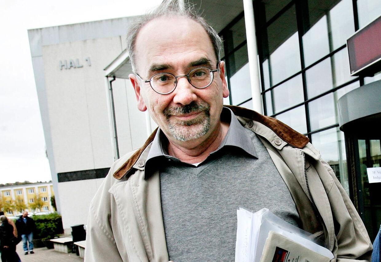 62-årige Jens Vestermark var i to år ansat som socialrådgiver hos 3F i Vejle uden overarbejdsbetaling og overenskomst. I 2007 blev han fyret, da han som kræftsyg krævede sin ret.