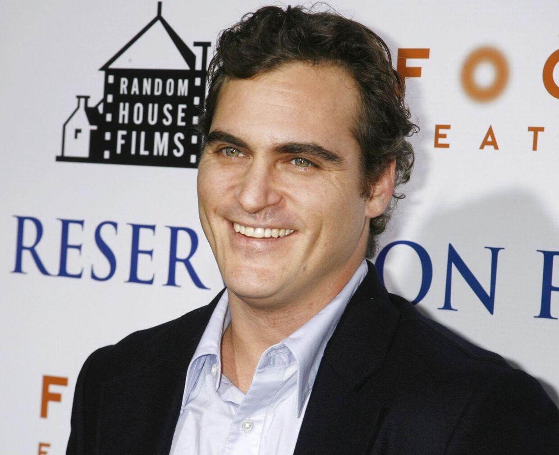 Joaquin Phoenix er nu tilbage i sin tidligere glatbarberede version.