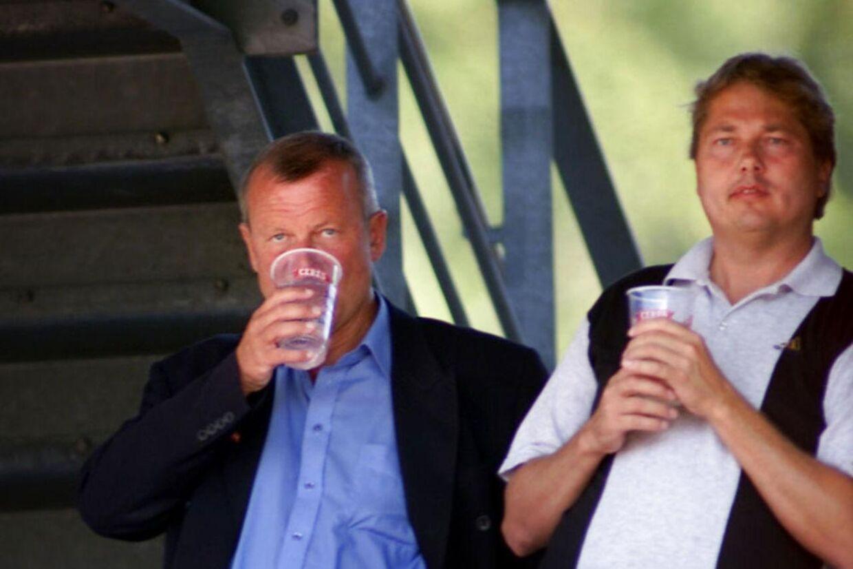 Farums tidligere borgmester, Peter Brixtofte (tv), var en nær ven af Michael Henriksen (th).