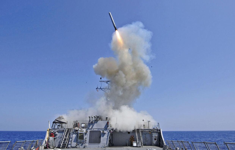 Et missil bliver affyret fra det amerikanske skib USS Barry i marts 2011. Lige nu befinder dette skib sig i Middelhavet og kan affyre missiler mod Syrien ifølge kilder.