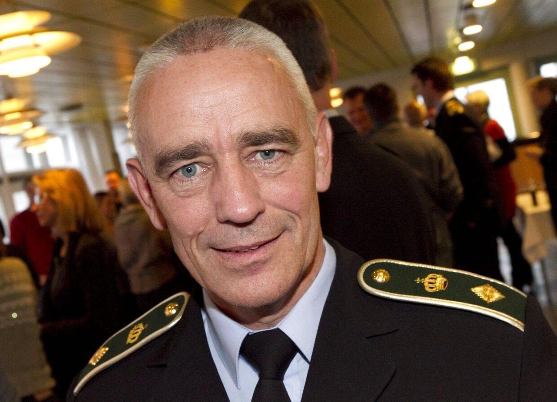 Efter kritik fra Per Hoes efterladte, beklager chefpolitiinspektør Bent Preben Nielsen nu.