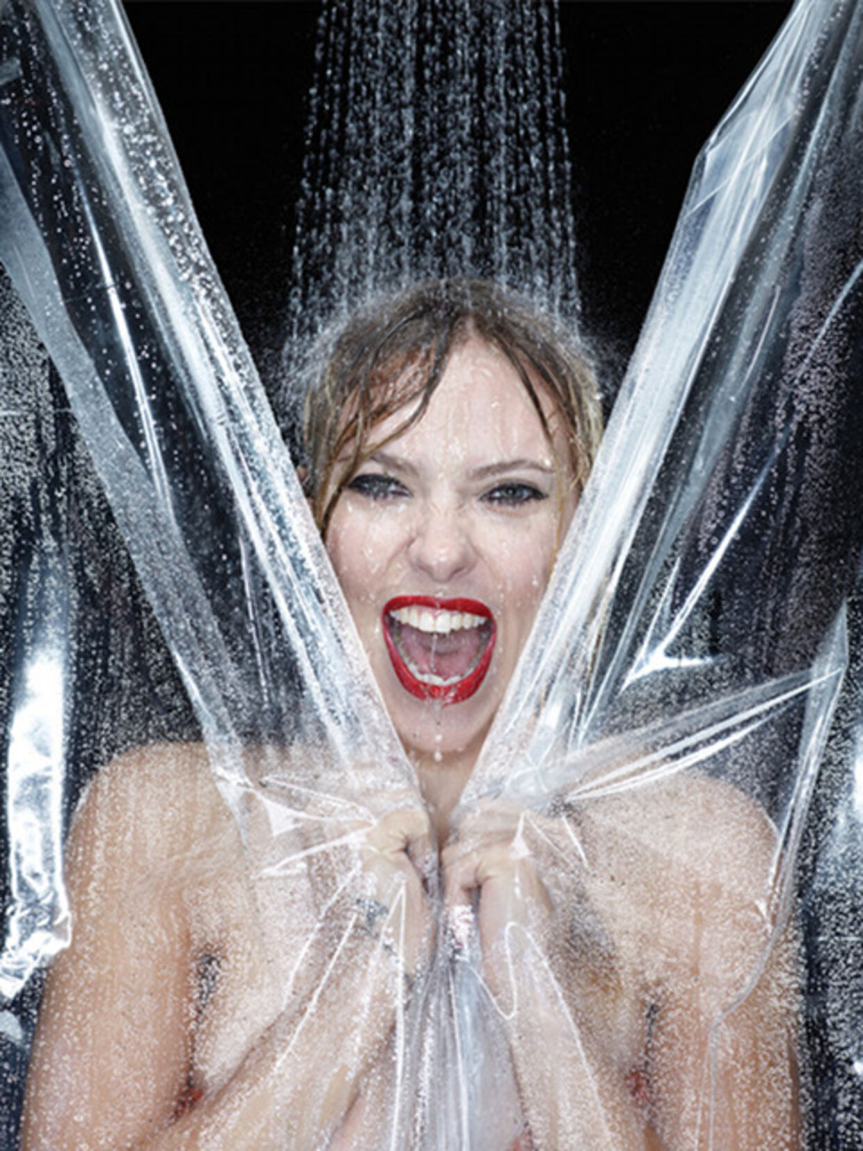 Scarlett Johansson i genindspilningen af den mytiske scene i Hitchcock-filmen 'Psycho'.